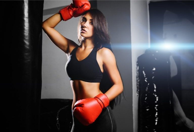 Fitness boxing for girls is an interesting direction in fitness. Pros and cons of fitness boxing, training program